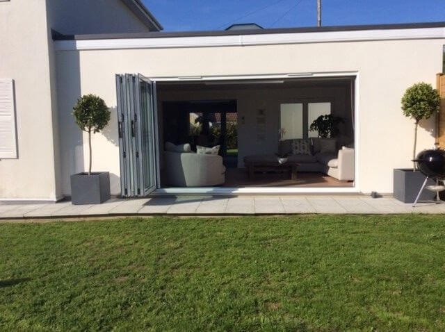 Garden rooms for kids how to utilise your space for for Your garden room